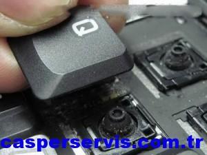 disassemble-laptop-keyboard-14