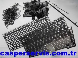 disassemble-laptop-keyboard-31